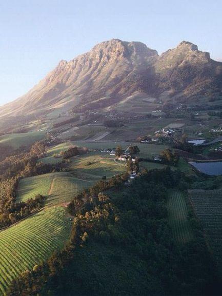 franschhoekwinelands_southafricantours