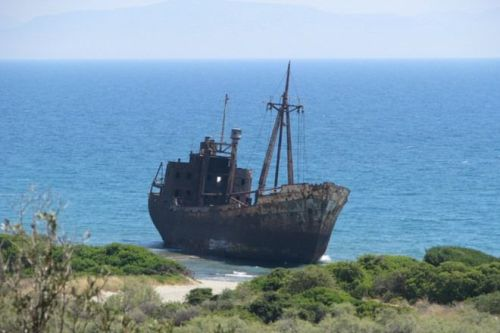 shipwreck_roomsforafrica.com